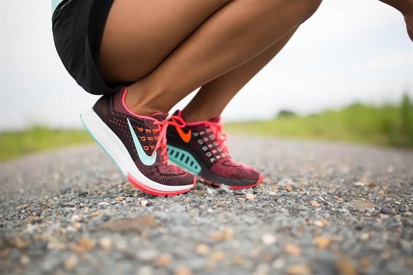 Woman s Diary - Ποια είναι τα σωστά αθλητικά παπούτσια για τα πόδια σου  93d81093663